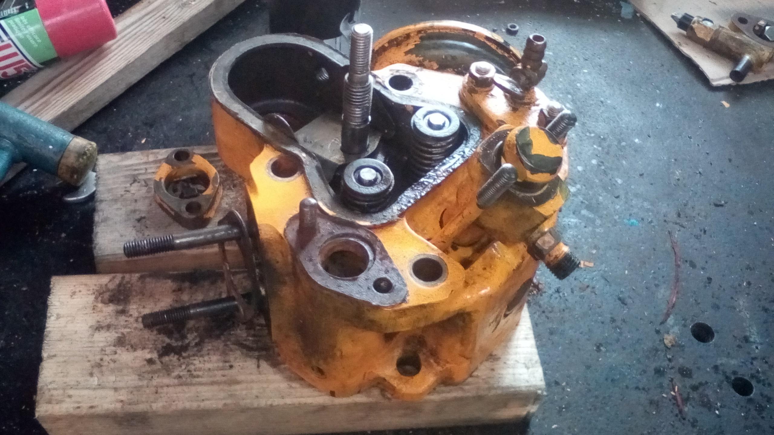 Revisie van een Farymann A40 diesel motor